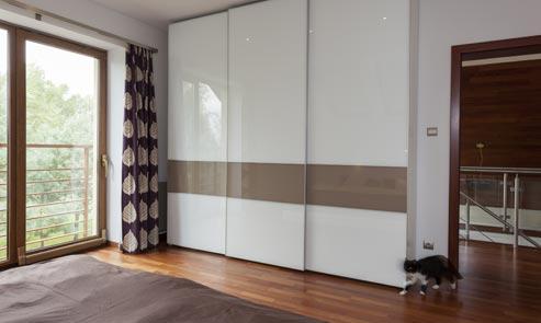 Egyedi bútor, beépített szekrény, konyhabútor készítés, asztalos ...